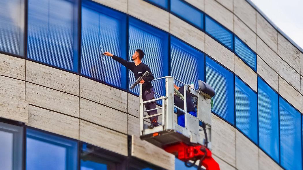 Effektive Fensterreinigungs-Tipps für klaren Durchblick