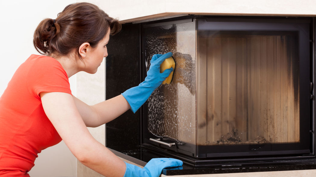 Kamin reinigen: Anleitung, wertvolle Tipps und Reiniger